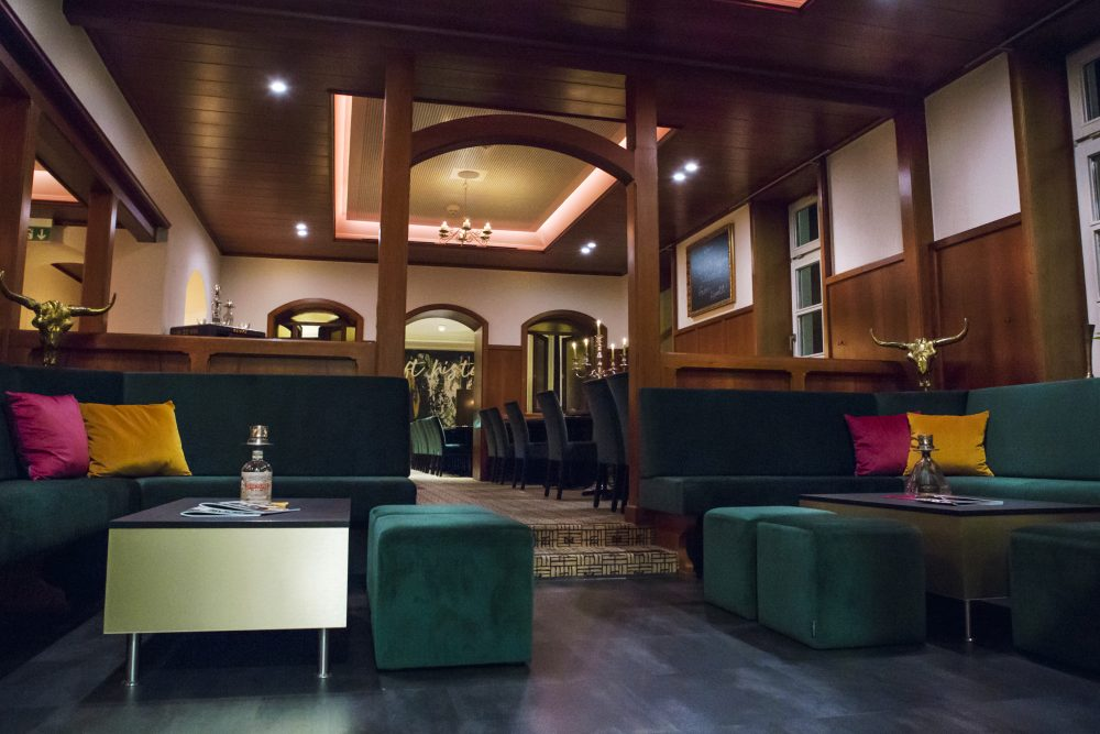 Restaurant Eckbank neu Polstern